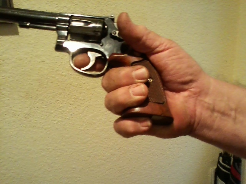Anyone shoot revolvers better then Pistols?  Pictur10