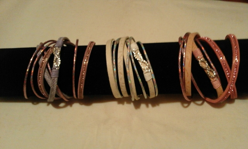 Bracelets 13€ port inclus Enroul15