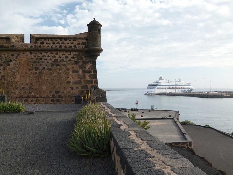Lanzarote, l'île esthétique - Page 2 P1030923
