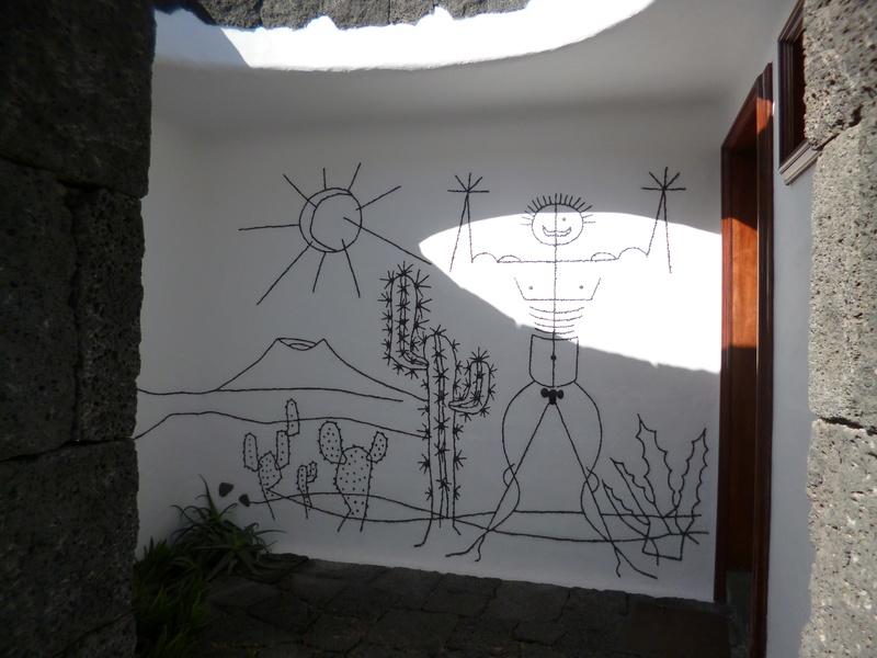 Lanzarote, l'île esthétique - Page 2 P1040015