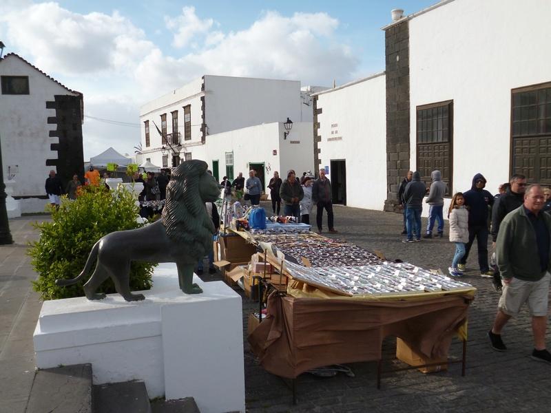 Lanzarote, l'île esthétique - Page 2 P1040018