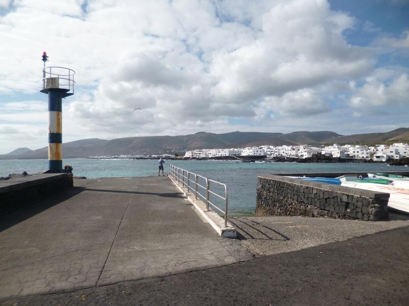 Lanzarote, l'île esthétique - Page 2 P1040030