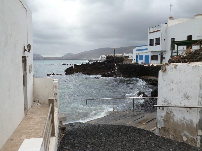 Lanzarote, l'île esthétique - Page 2 P1040031