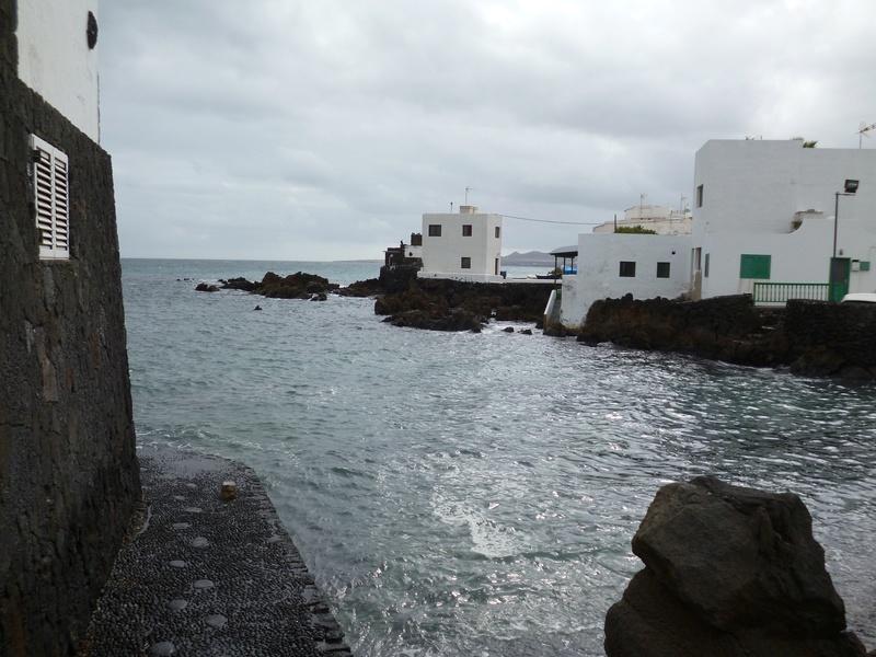 Lanzarote, l'île esthétique - Page 2 P1040032