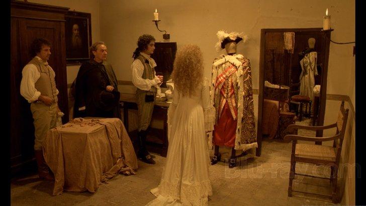 Les robes portées par les Marie Antoinette de nos écrans 2550_510