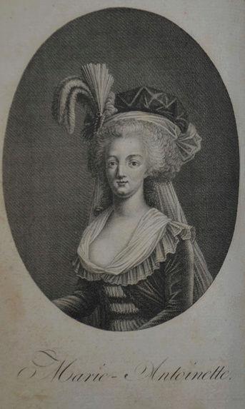 Marie-Antoinette en robe rouge sans ses enfants Tylych20