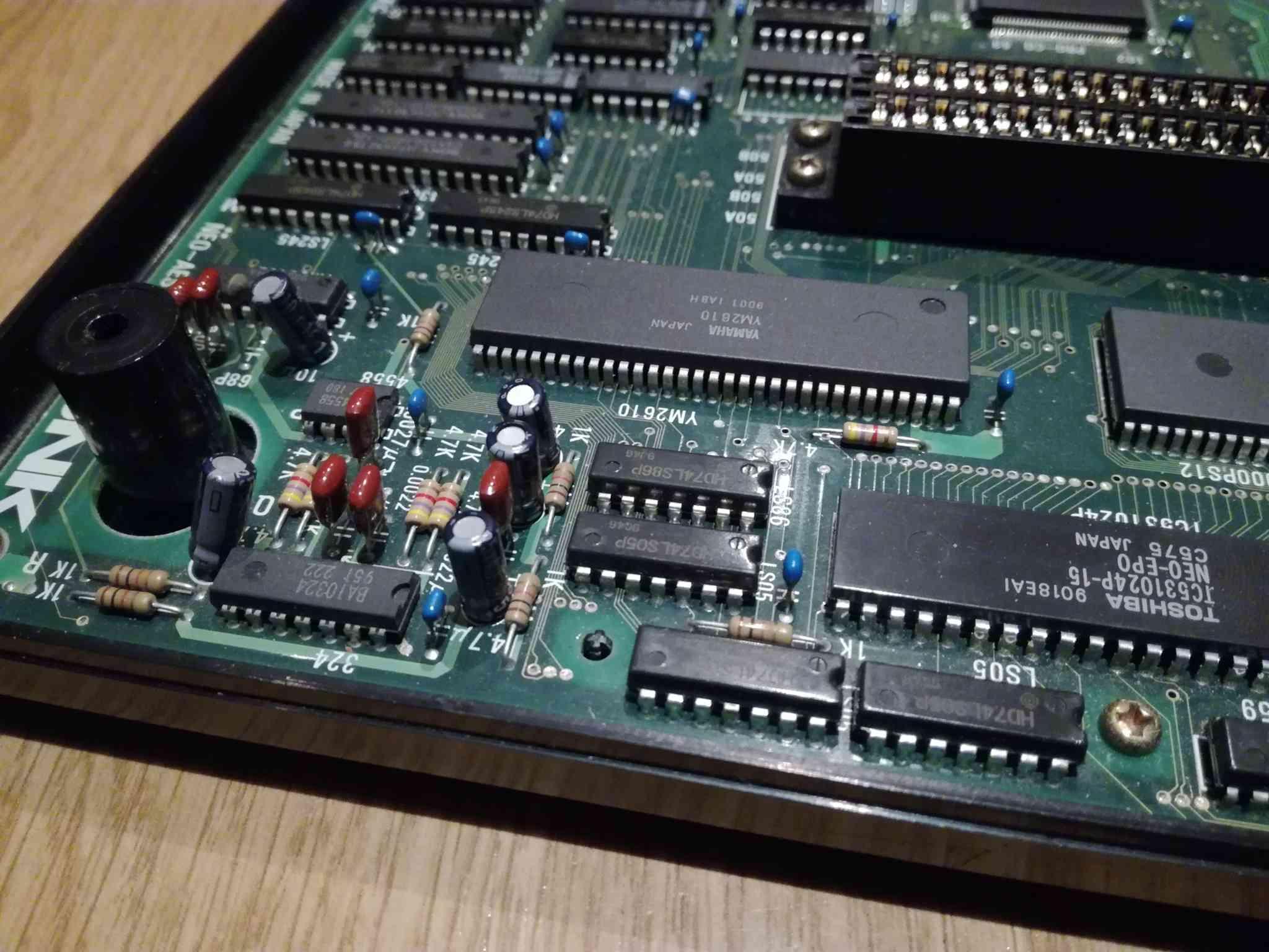 Problème affichage et Reboot aléatoire Neo Geo Aes Img_2038