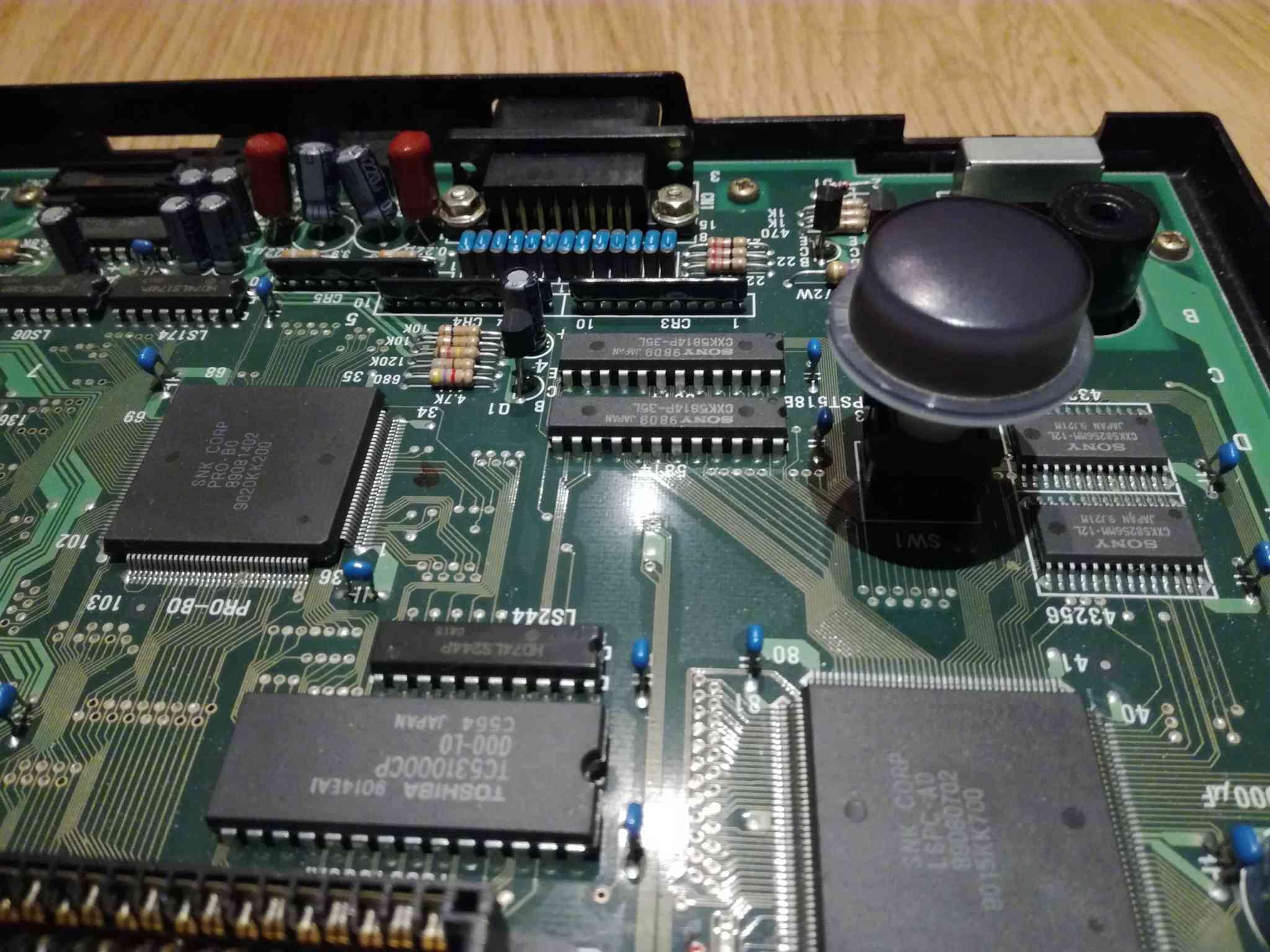 Problème affichage et Reboot aléatoire Neo Geo Aes Img_2042