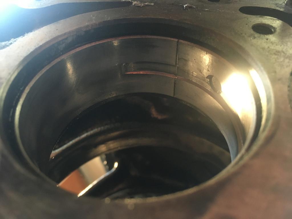 Lunette arrière Chrysler voyager briser  26f9f510