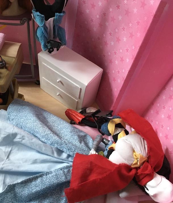 Galerie de mes fan-dolls (Le roi sous la montagne p.10) - Page 2 2017-015