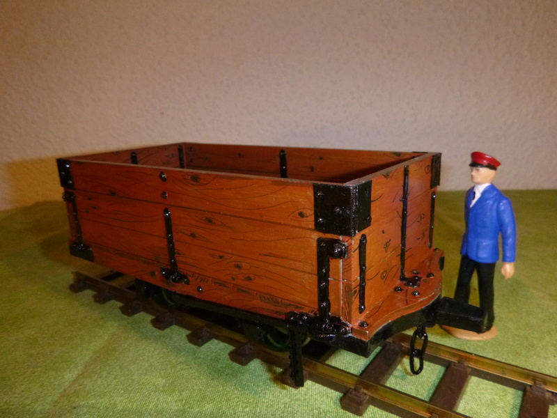 Binnie Engineering (GB) , 32mm Wagons, Loren ca. 1:19   P1030114
