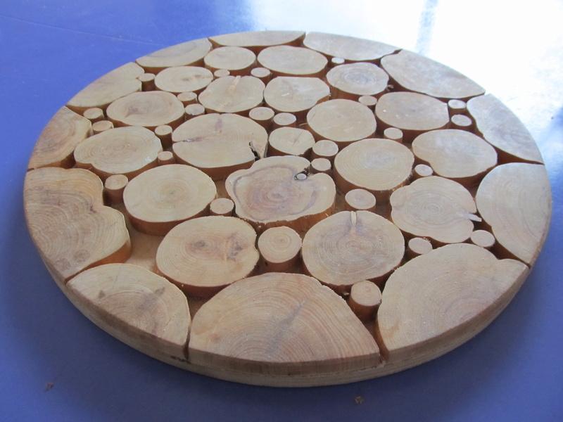 dessous de plat en rondelle de bois  Dessou10