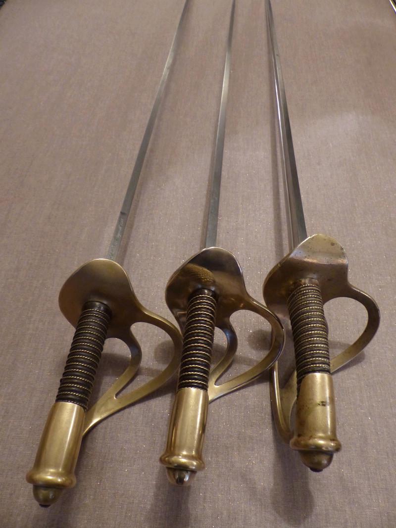 Mes sabres de cavalerie du modèle 1882 de troupe P1040115