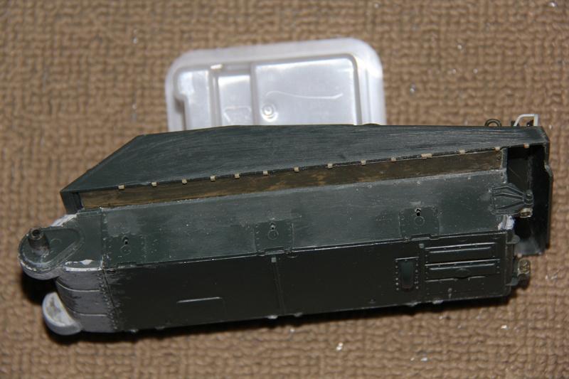 Sherman ( s ) 1/35 N°2 le M4A4 déco  - Page 2 00111