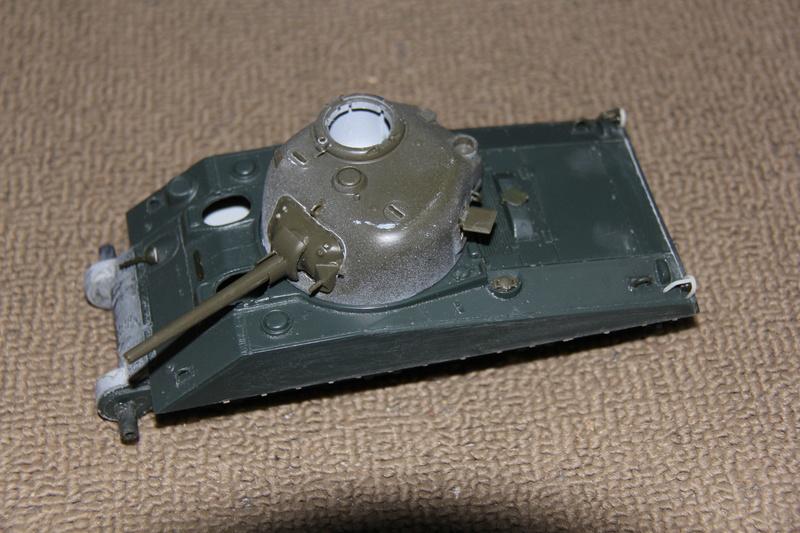 Sherman ( s ) 1/35 N°2 le M4A4 déco  - Page 2 00312