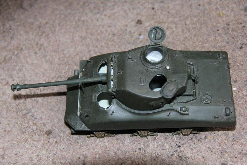 Sherman ( s ) 1/35 N°2 le M4A4 déco  - Page 2 01011