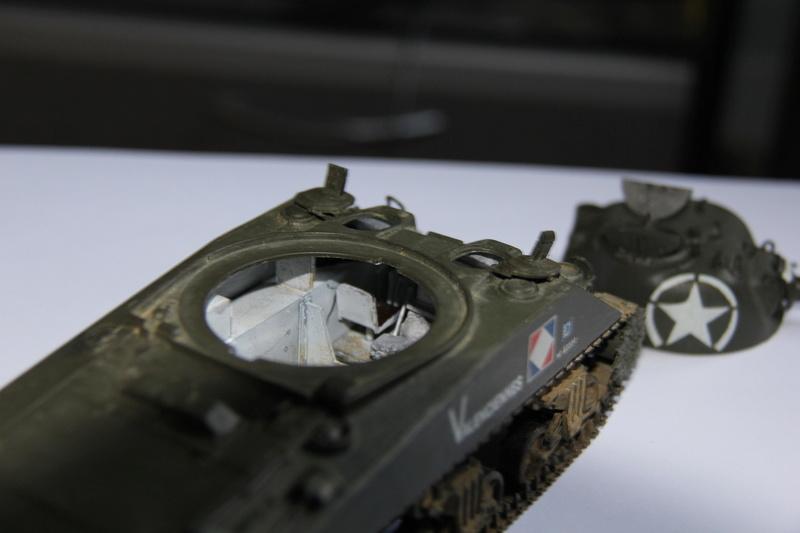 Sherman ( s ) 1/35 N°2 le M4A4 déco  - Page 3 01413