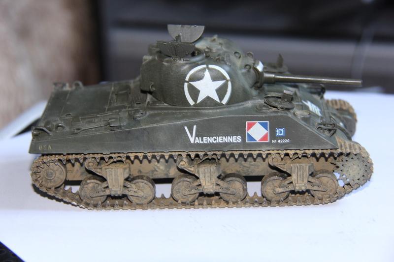 Sherman ( s ) 1/35 N°2 le M4A4 déco  - Page 3 01514