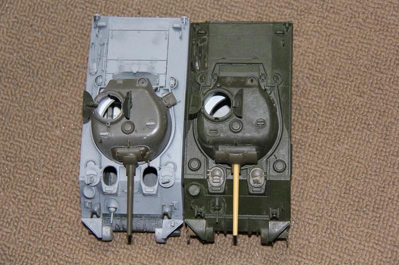 Sherman ( s ) 1/35 N°2 le M4A4 déco  - Page 2 01812