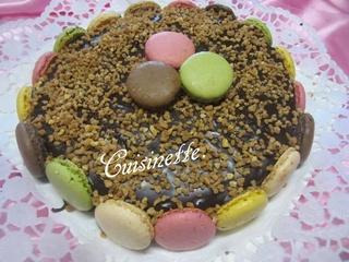 Gâteau crème moka.aux macarons. 12510410