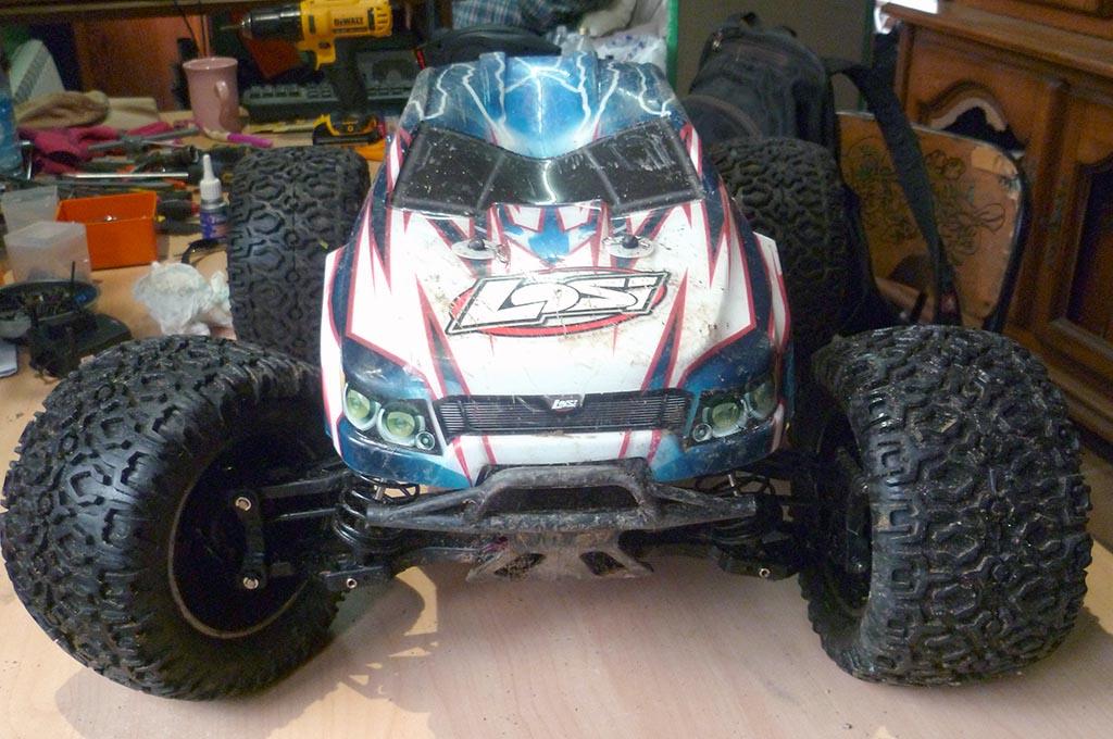 Losi Monster LST XXL2-E de Perte&Fraka P1050913