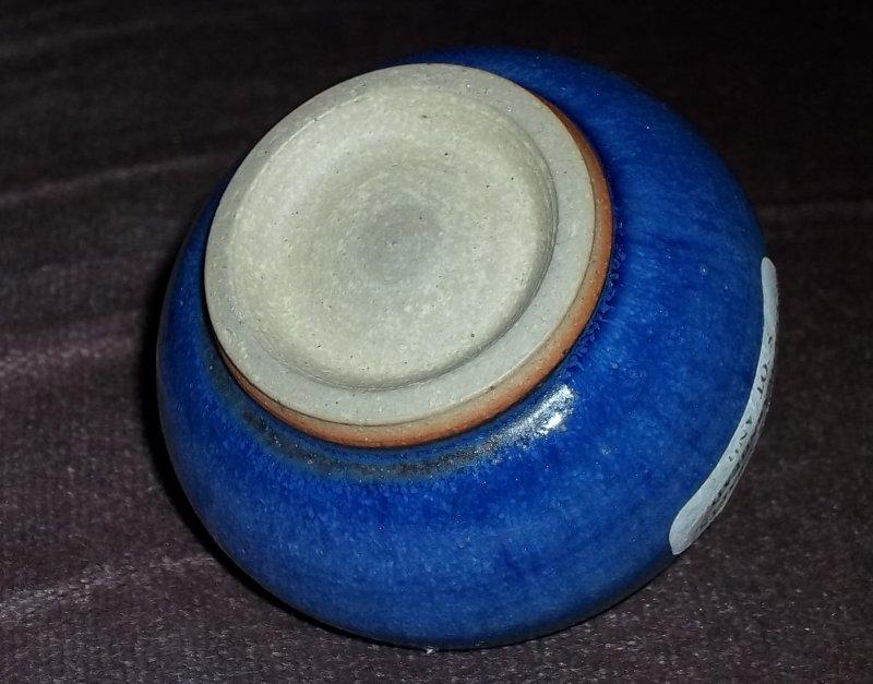 Scottish stoneware pot 100_3322