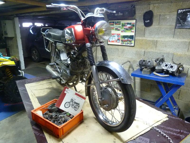 Rennaissance d'une 125 Standard oubliée dans le fond d'un garage. P1100311