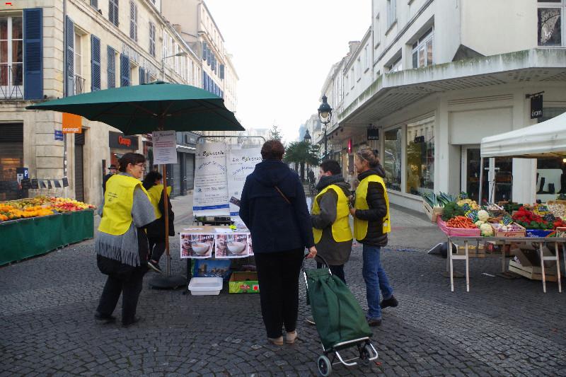 La Boussole, la dignité à une voie Imgp9114