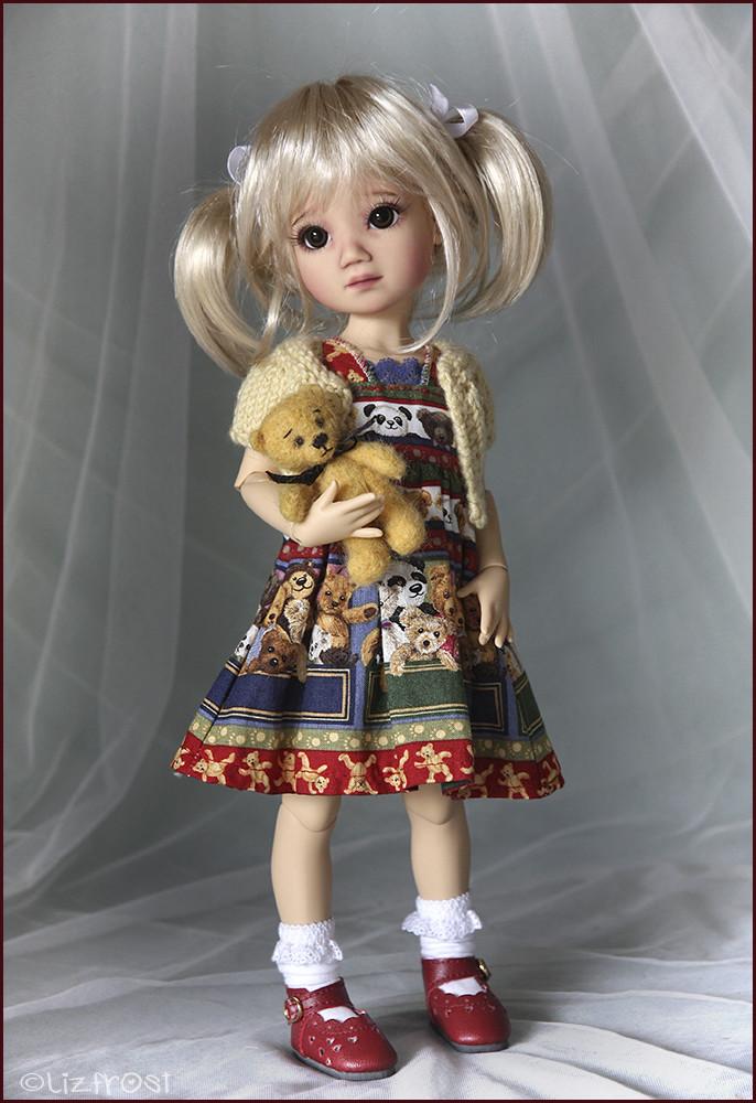 Mia chez Liz frost  Ltmia410
