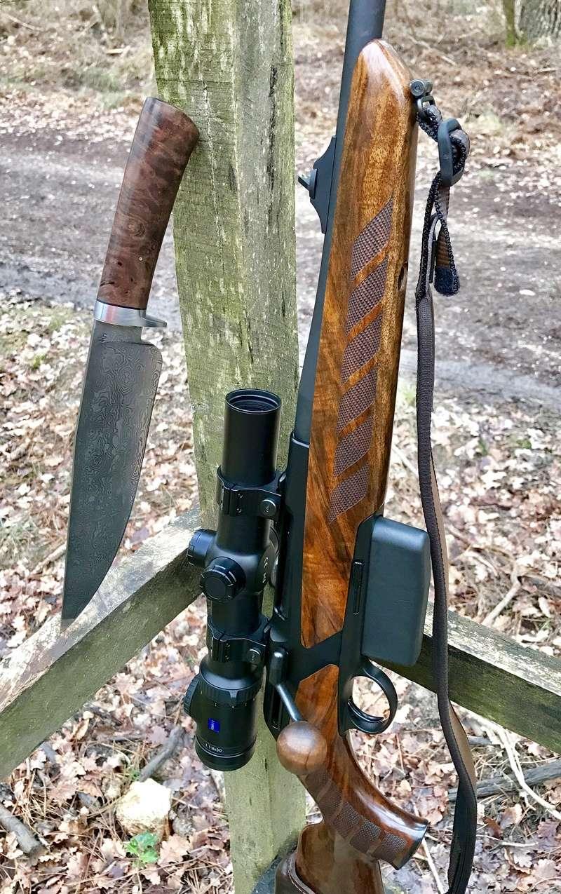 vos couteaux de chasse et leurs usages ... - Page 13 Img_9512