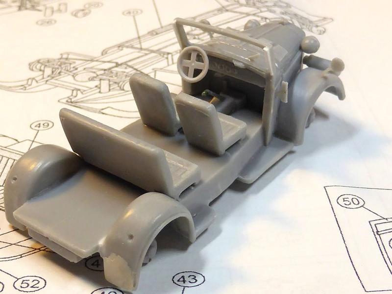 Diorama Mistel 1 - les préparatifs d'un grand BOUM - Page 7 Kfz21-12