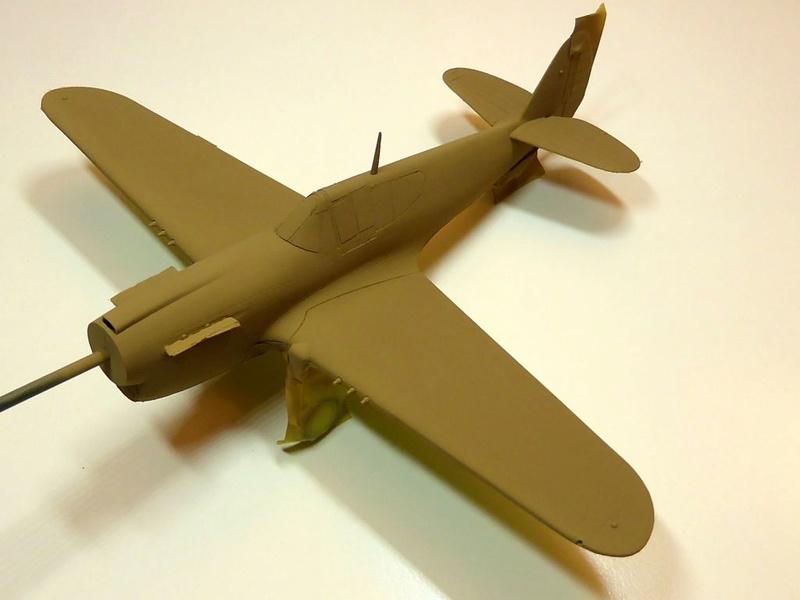 [Hobby Boss] - Curtiss P40 rénovation en Groupe Lafayette 1943  - Page 2 P40ryn27