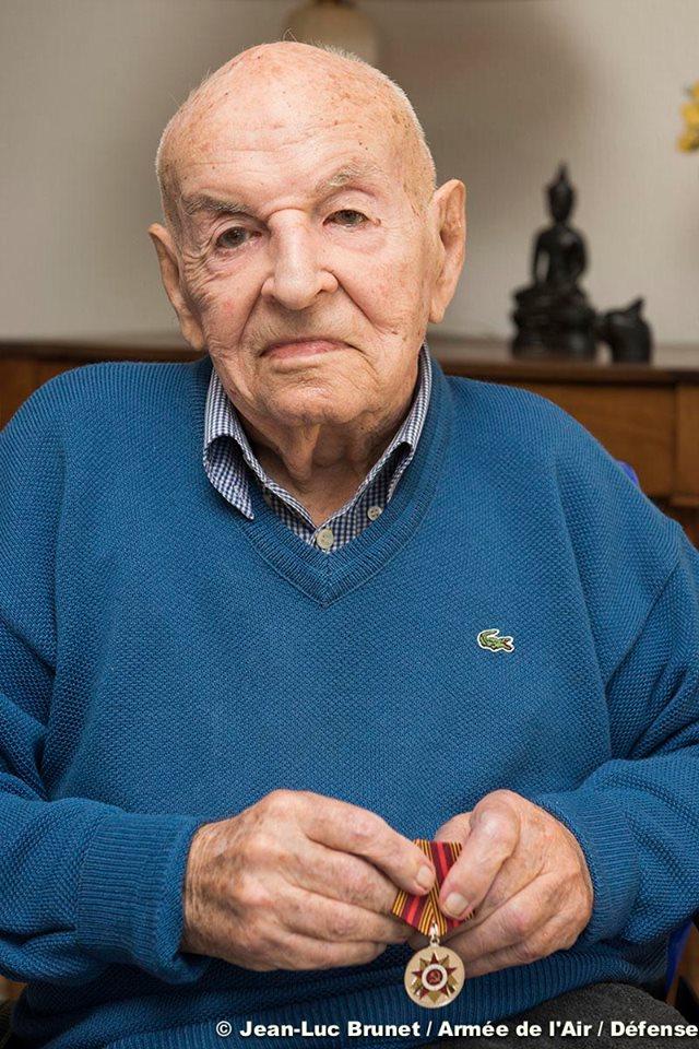 il était le dernier de l'escadrille Normandie -Niemen.. hommage. 16708410