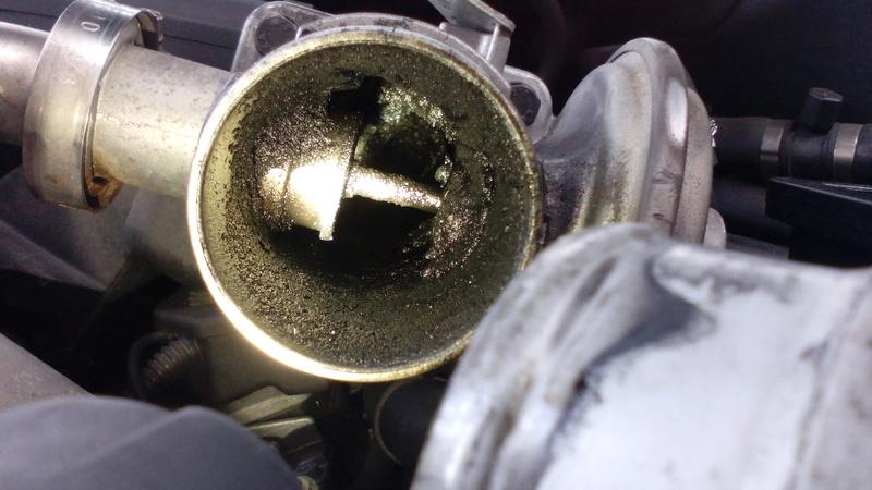 [ BMW E46 320d M47 an 1998 ] Fumé bleu échappement et moteur (résolu) Img_2016