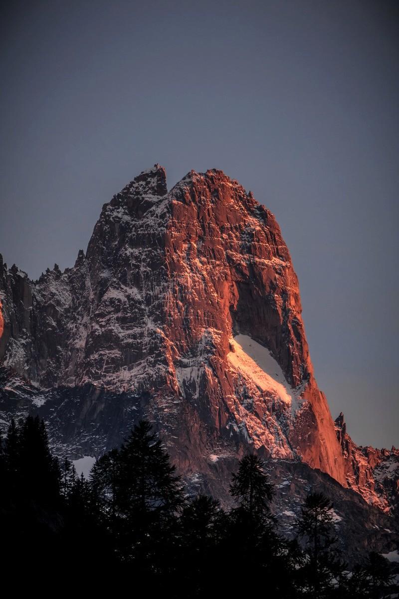 Tour et sommet de l'Aiguille de Loriaz P2410