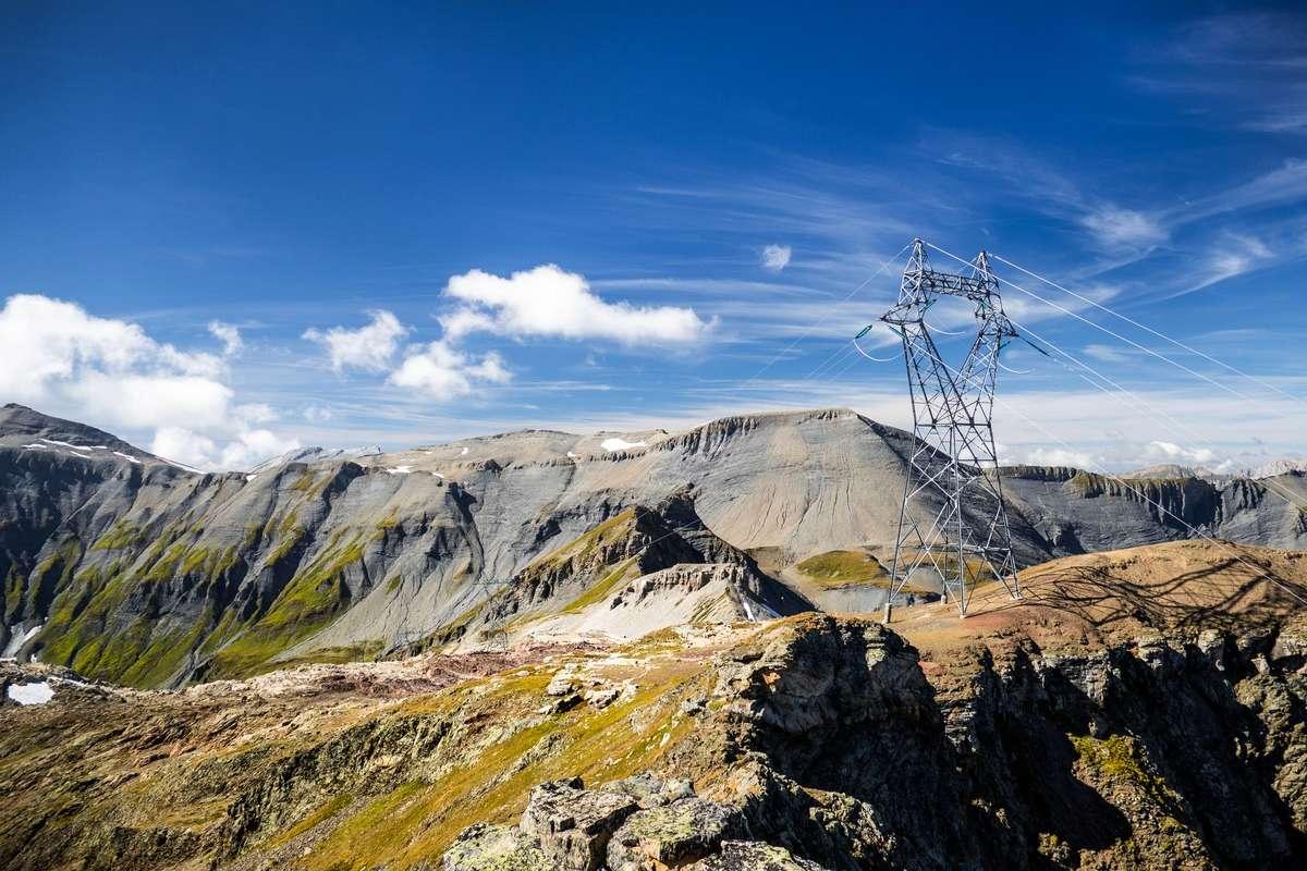 Tour et sommet de l'Aiguille de Loriaz P5b10