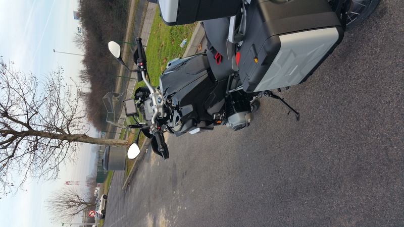 ma BMW 1200GS triple black a la maison  20161224