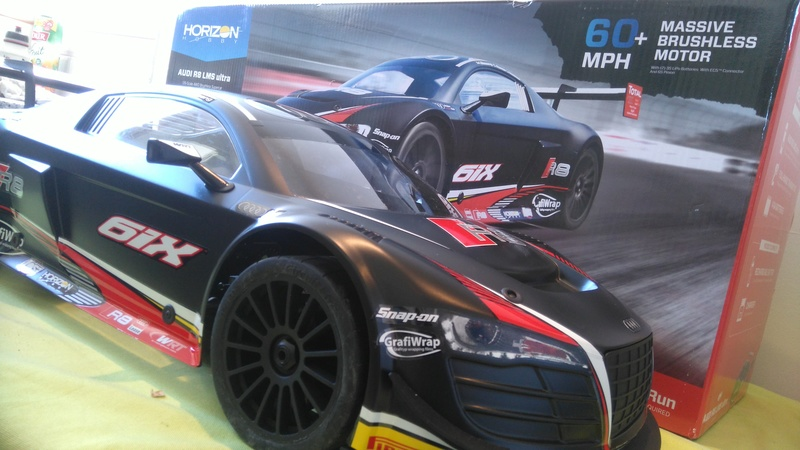 mes voitures 1/5, LOSI Desert buggy 1/5e XL-E RTR 4WD 8s, Adui R8 LMS Dsc_0010