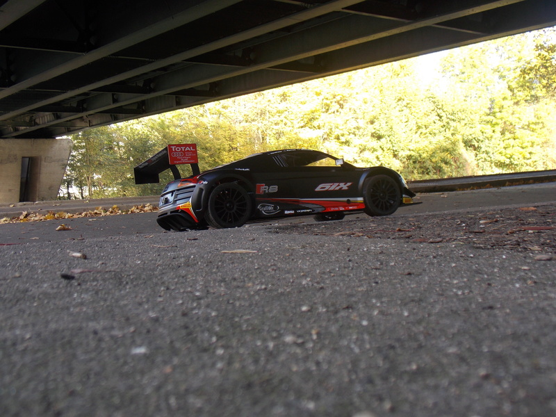 mes voitures 1/5, LOSI Desert buggy 1/5e XL-E RTR 4WD 8s, Adui R8 LMS Dscn0812