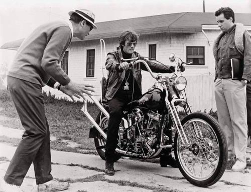 Vieilles photos (pour ceux qui aiment les anciennes photos de bikers ou autre......) - Page 10 Tumbl156