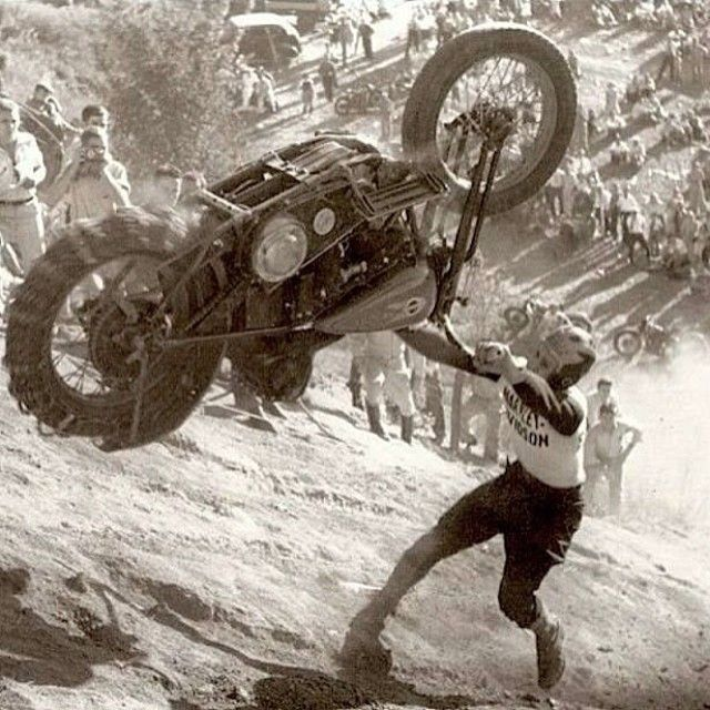 Vieilles photos (pour ceux qui aiment les anciennes photos de bikers ou autre......) - Page 10 Tumbl158