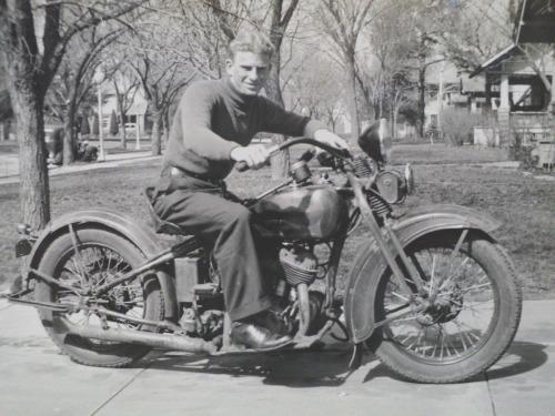 Vieilles photos (pour ceux qui aiment les anciennes photos de bikers ou autre......) - Page 10 Tumbl162