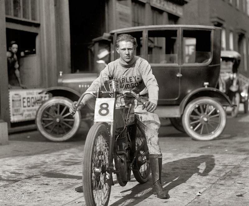 Vieilles photos (pour ceux qui aiment les anciennes photos de bikers ou autre......) - Page 10 Tumbl165