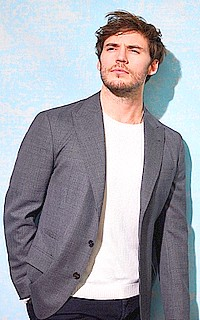 Sam Claflin Sam_cl13