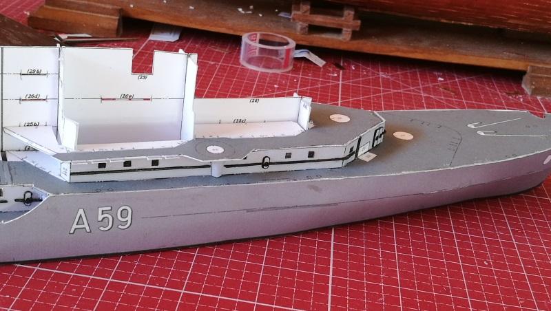 Schulschiff Deutschland 1:250 Bug10