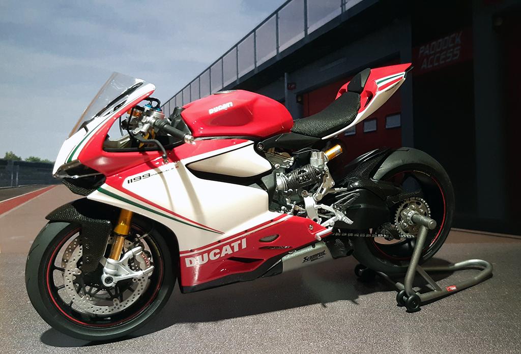 Ducati Panigale Tricolore - Page 2 Dcwoq110