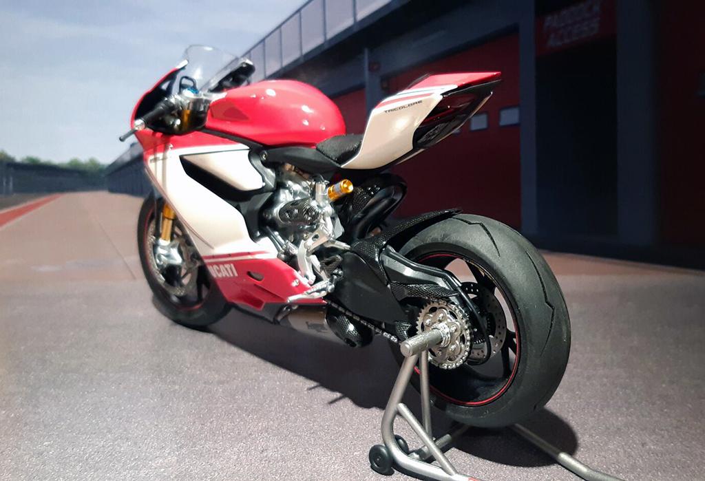 Ducati Panigale Tricolore - Page 2 F76cks10