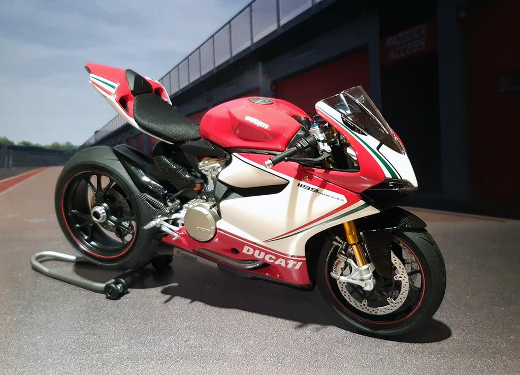Ducati Panigale Tricolore - Page 2 P-gvaj10