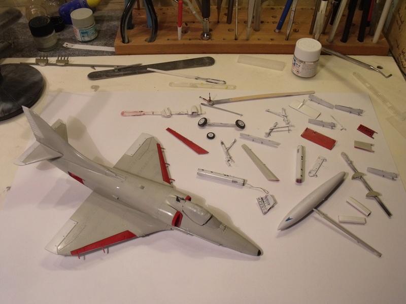 A-4 E Skyhawk - 1/ 48° Pont d'envol fait - Avion fini - accessoires de pont en confection. - Page 3 Dscf6718