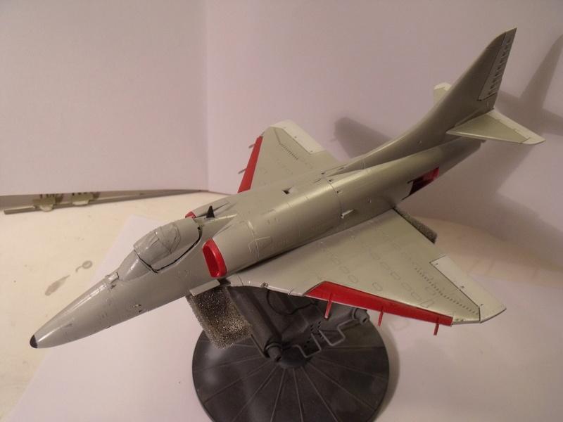 A-4 E Skyhawk - 1/ 48° Pont d'envol fait - Avion fini - accessoires de pont en confection. - Page 3 Dscf6810